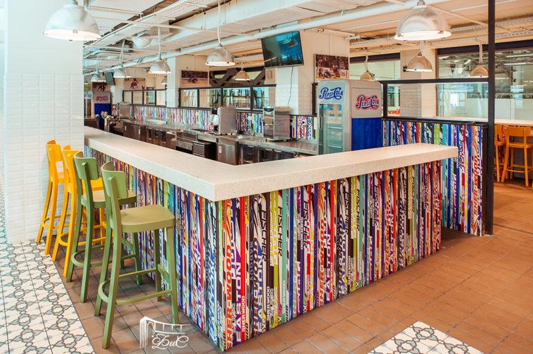 барная стойка, дизайн панелей и мебель для ледового дворца на заказ